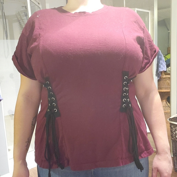Forever 21 Tops - Dark red t-shirt with black shoe lace detail